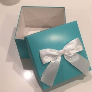 Party Supplies - Tiffany & Co. Theme Boxes